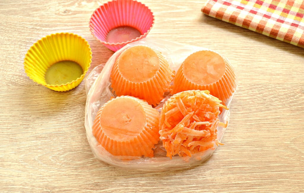 Фото рецепта - Морковь замороженная (в силиконовых формах) - шаг 6