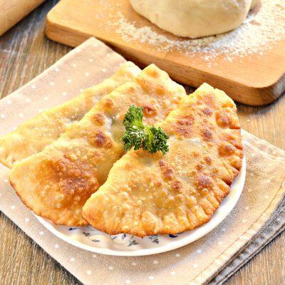 Тесто для чебуреков на горячем растительном масле - рецепт с фото