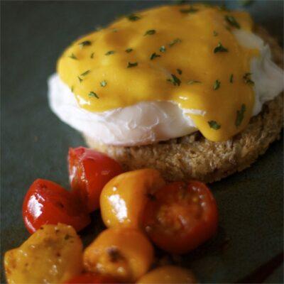 Яичный соус на водяной бане - рецепт с фото