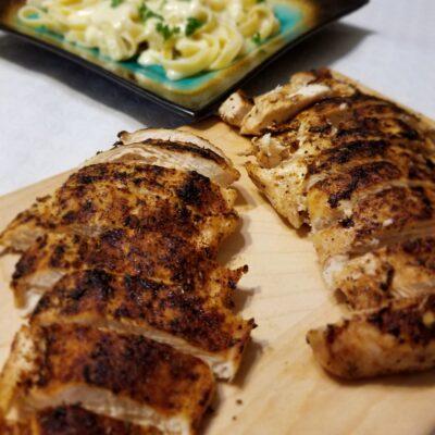 Куриная грудка в пряностях - рецепт с фото