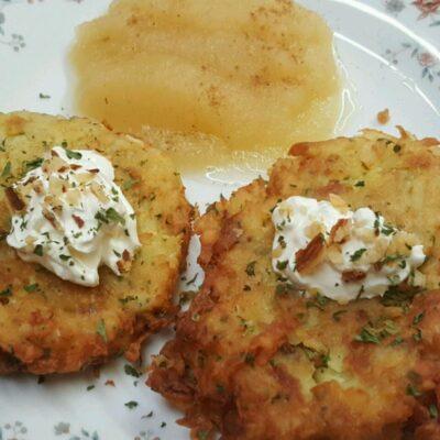 Немецкие драники (картофельные оладьи) - рецепт с фото