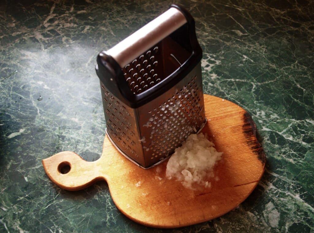 Фото рецепта - Рубленые котлеты из куриной грудки - шаг 3