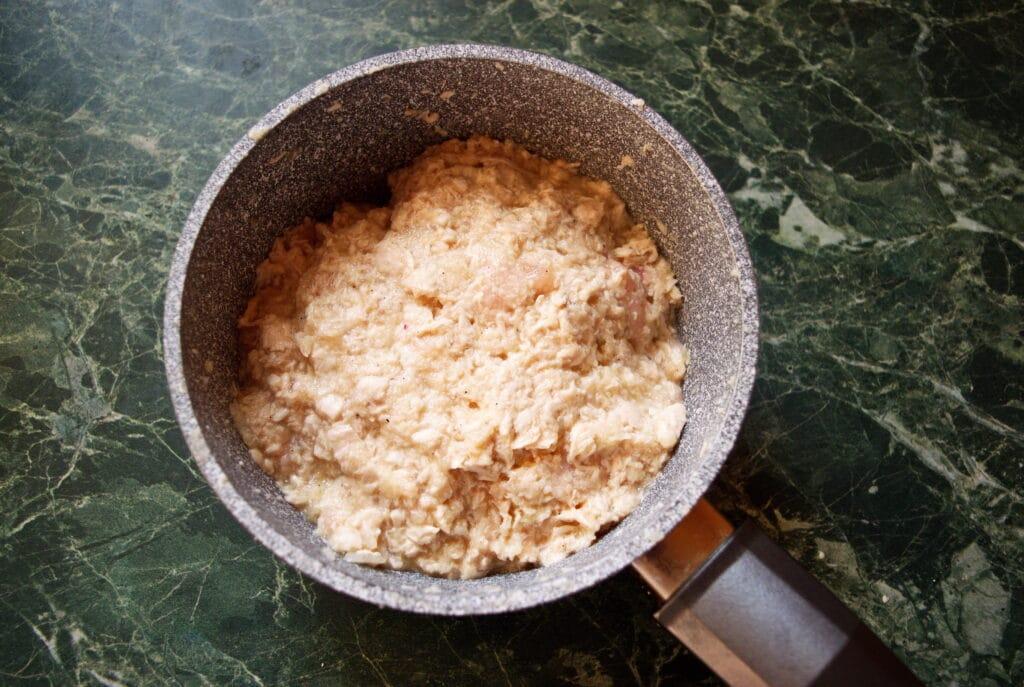 Фото рецепта - Рубленые котлеты из куриной грудки - шаг 5