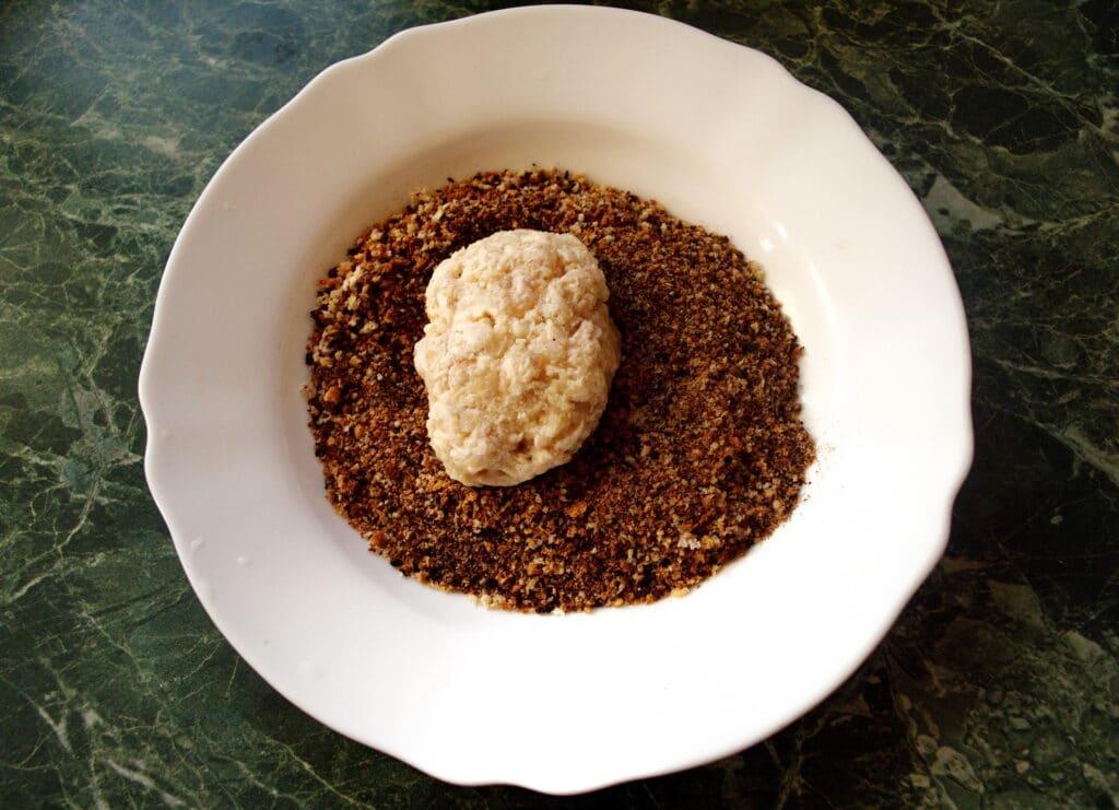 Фото рецепта - Рубленые котлеты из куриной грудки - шаг 6
