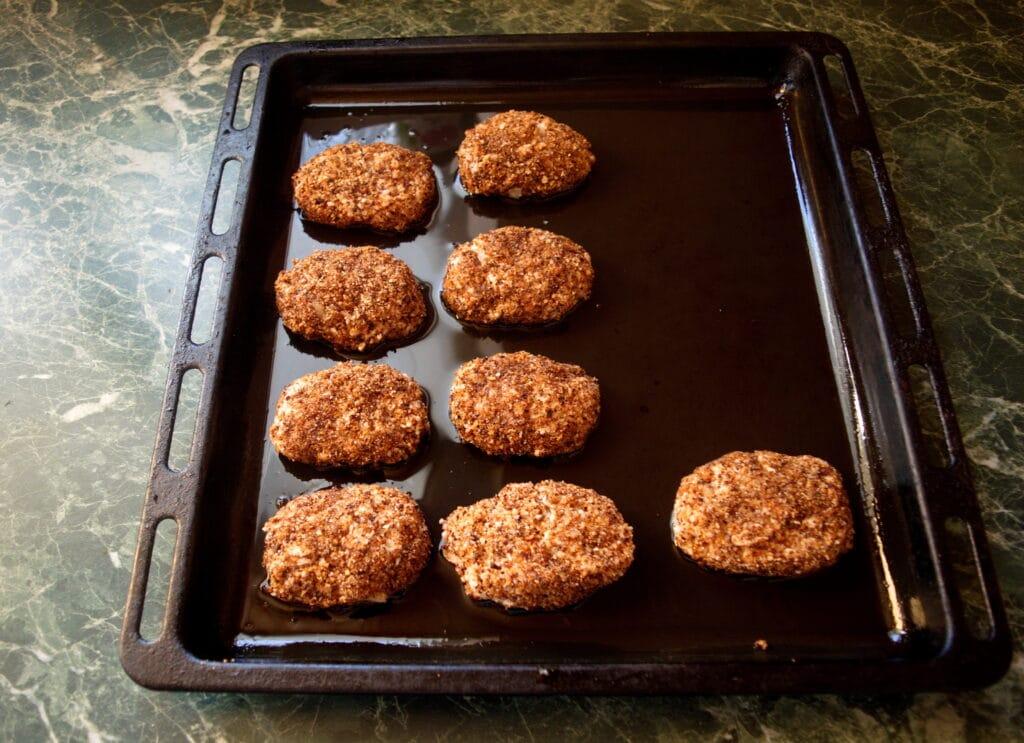 Фото рецепта - Рубленые котлеты из куриной грудки - шаг 7