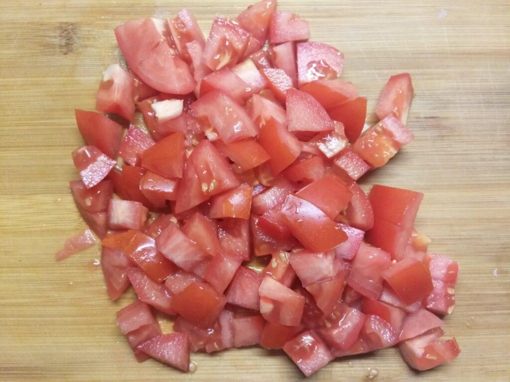 Фото рецепта - Овощной салат со шпинатом и базиликом - шаг 4