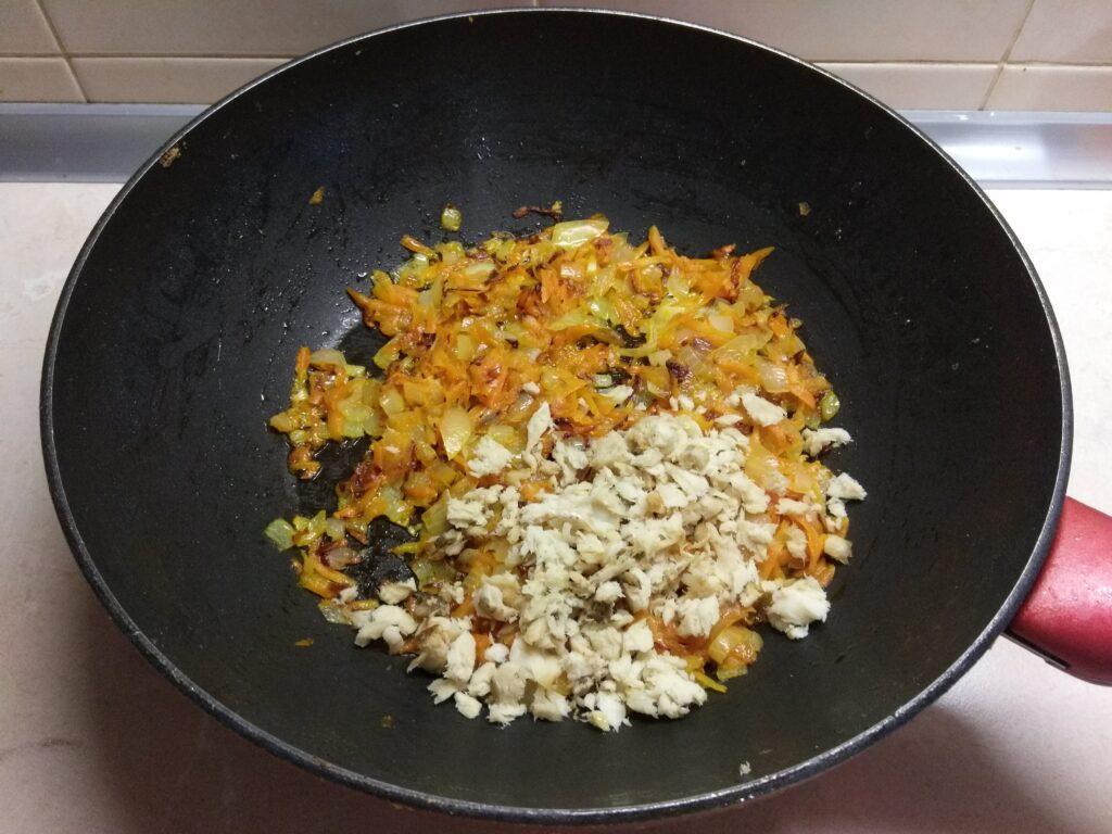Фото рецепта - Быстрая закуска из кабачков и баклажанов - шаг 5