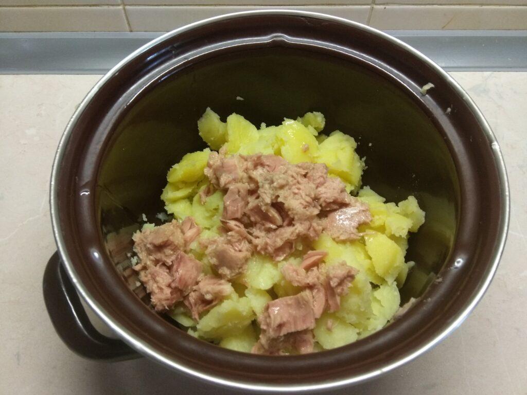 Фото рецепта - Картофель, фаршированный тунцом и пармезаном - шаг 2