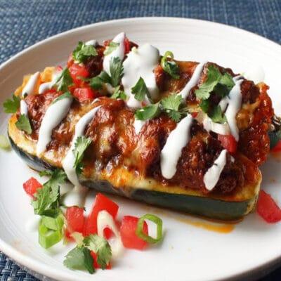 Фаршированные кабачки с говядиной и сыром - рецепт с фото