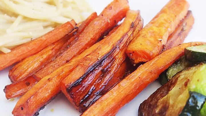 Запеченная морковь с бальзамическим уксусом