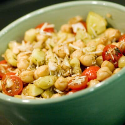 Салат из овощей и гороха - рецепт с фото
