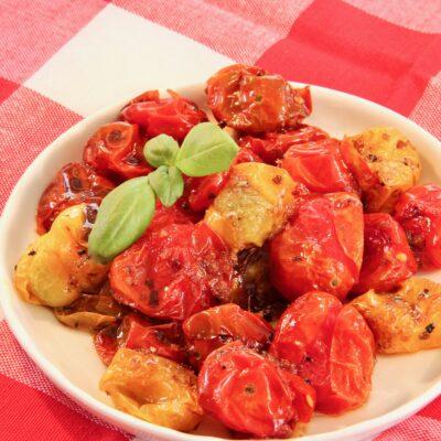 Запеченные помидоры черри - рецепт с фото