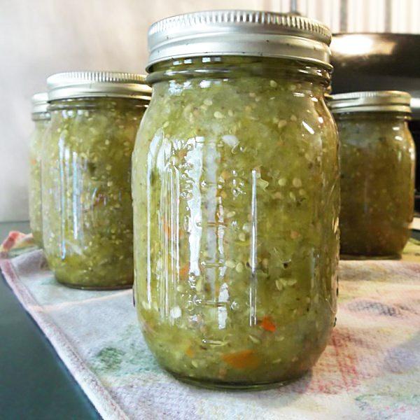 Зеленые помидоры с перцем и луком (заготовка на зиму)