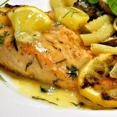 Филе лосося на гриле с укропным соусом - рецепт с фото