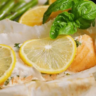 Лосось, запеченный с лимоном и базиликом - рецепт с фото