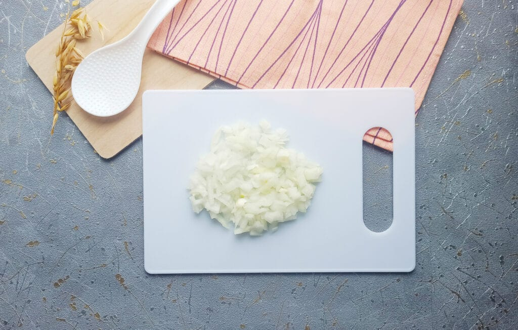 Фото рецепта - Суп с фрикадельками в мультиварке - шаг 1
