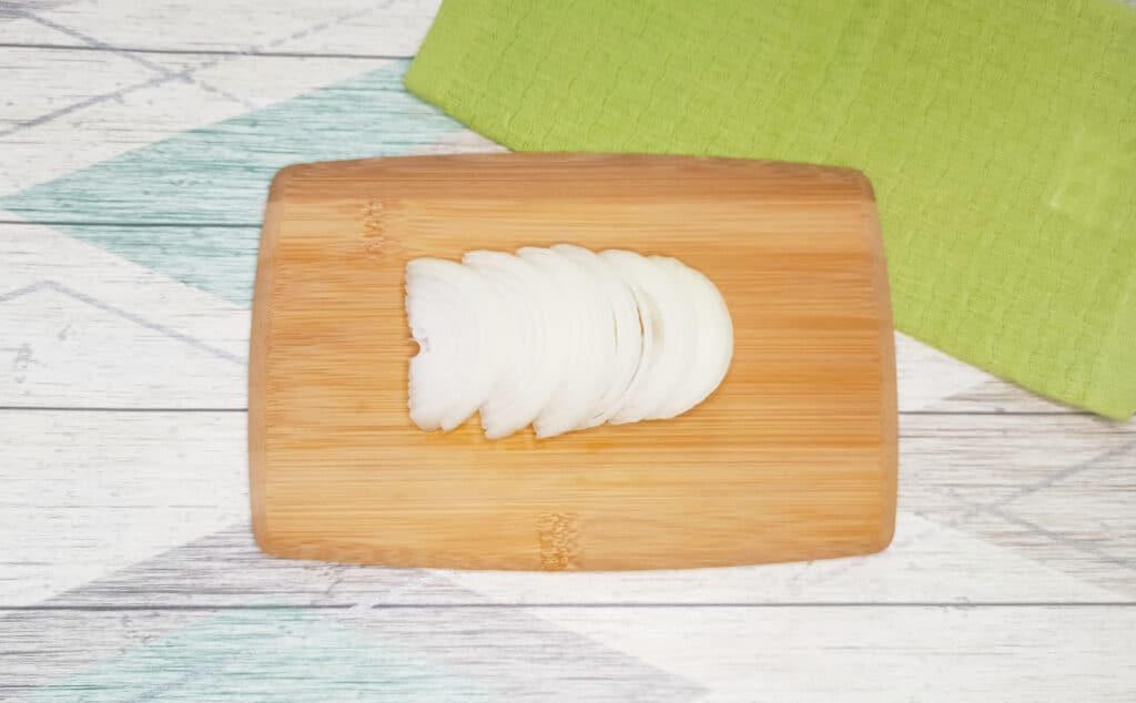 Фото рецепта - Чахохбили из куриных крылышек на сковороде - шаг 1