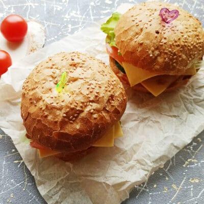 Домашний бургер с говяжьей котлетой - рецепт с фото