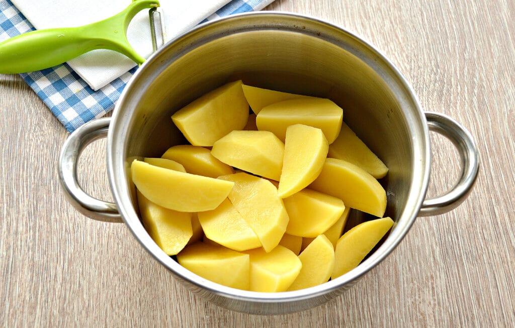 Фото рецепта - Картофельное пюре на мясном бульоне - шаг 2