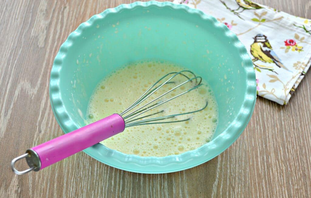 Фото рецепта - Заварные блины на сметане - шаг 2