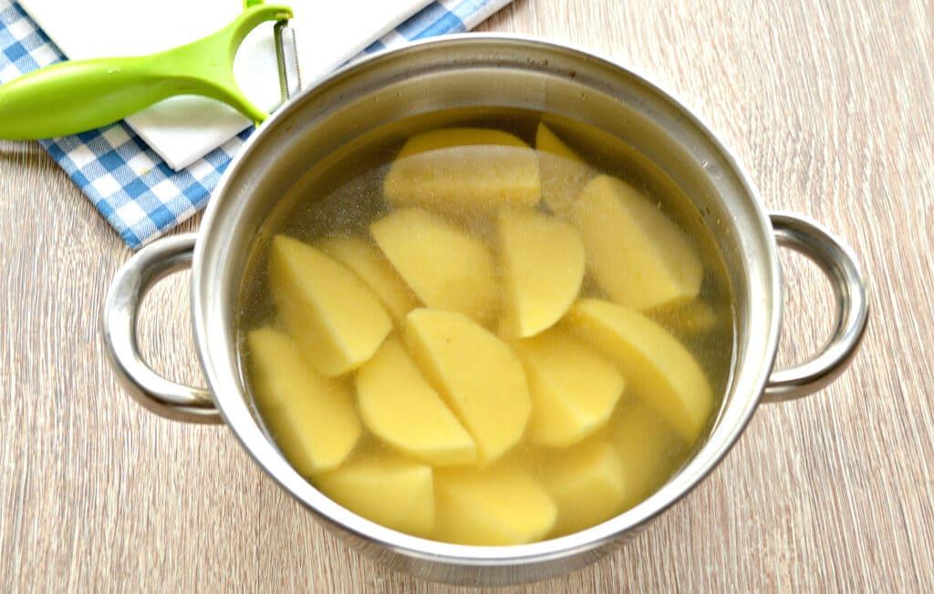Фото рецепта - Картофельное пюре на мясном бульоне - шаг 3