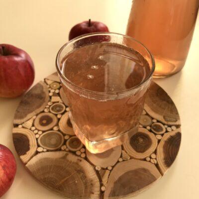 Компот из свежих яблок, замороженных абрикосов и смородины - рецепт с фото