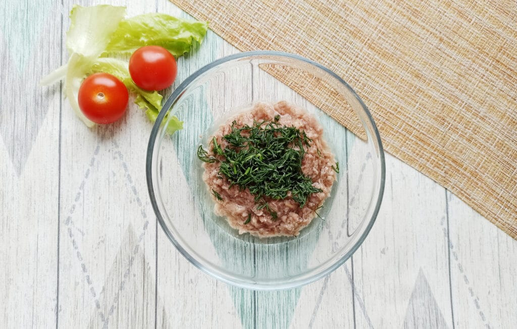 Фото рецепта - Сытная закуска с консервированным тунцом - шаг 4