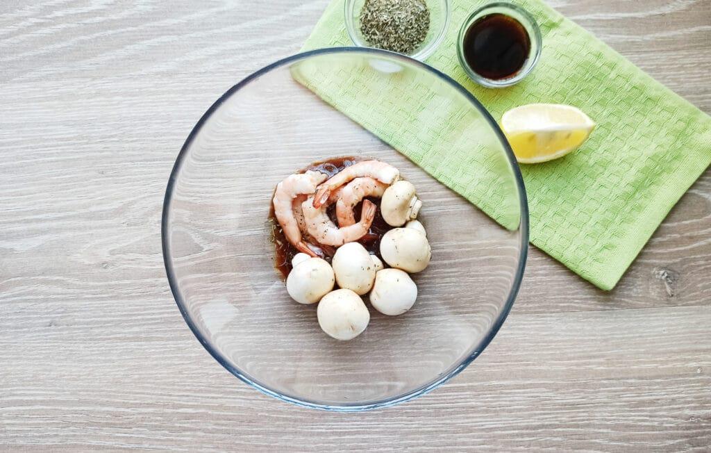 Фото рецепта - Шашлыки из королевских креветок и шампиньонов - шаг 5