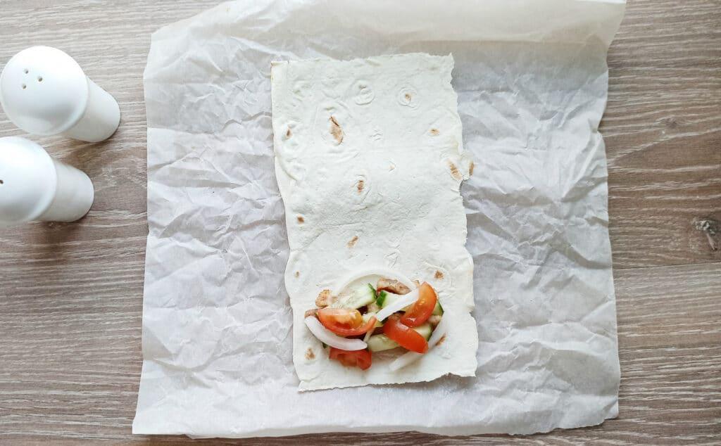 Фото рецепта - Мясные рулеты из лаваша - шаг 6