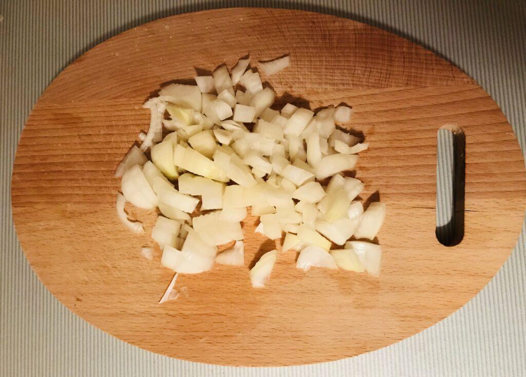 Фото рецепта - Мини-рулеты из лаваша и курицы - шаг 1