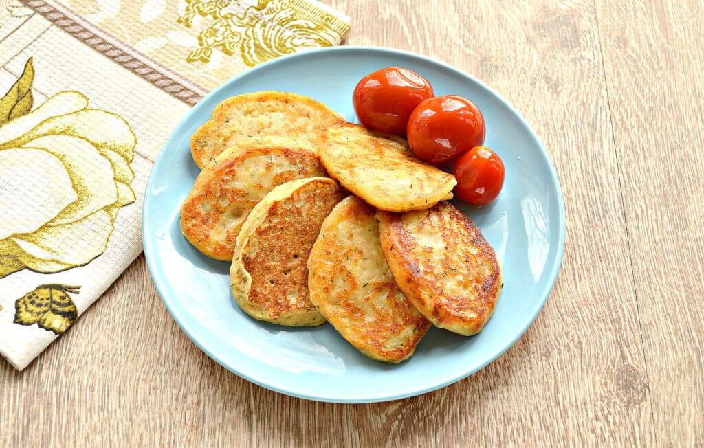 Фото рецепта - Оладьи из картошки на сковороде - шаг 7