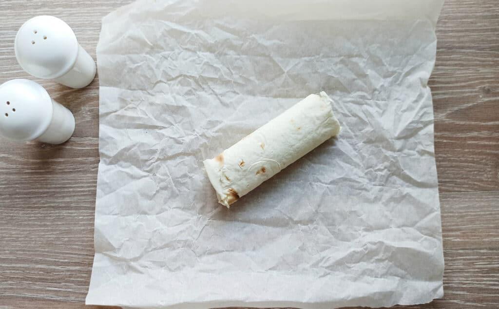 Фото рецепта - Мясные рулеты из лаваша - шаг 7