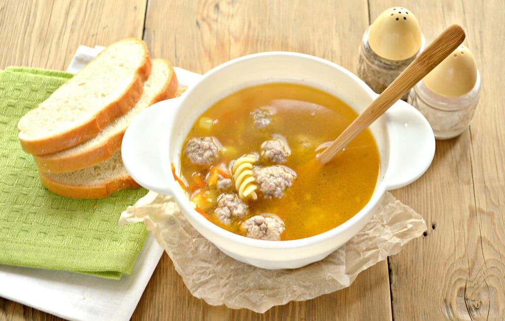 Фото рецепта - Быстрый суп с фрикадельками и макаронами - шаг 7