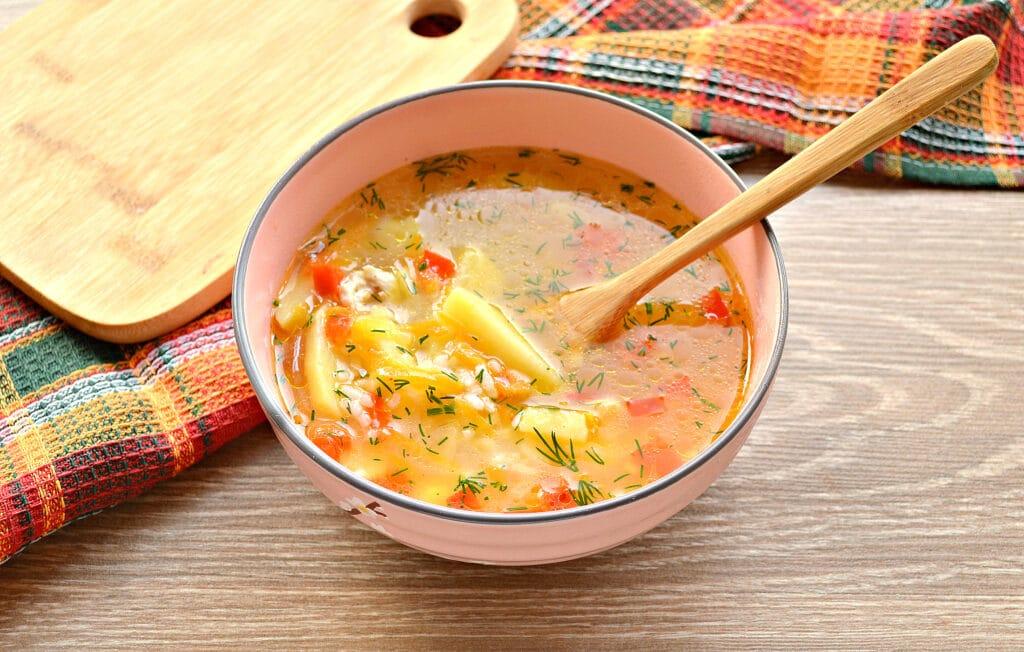 Фото рецепта - Рисовый суп с курицей и перцем - шаг 8