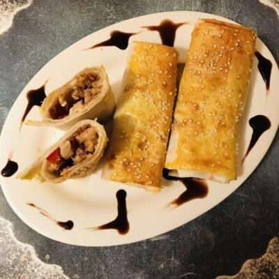 Мини-рулеты из лаваша и курицы - рецепт с фото