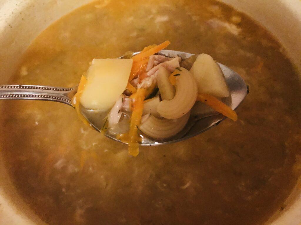 Фото рецепта - Суп из домашней курицы с макаронами - шаг 6