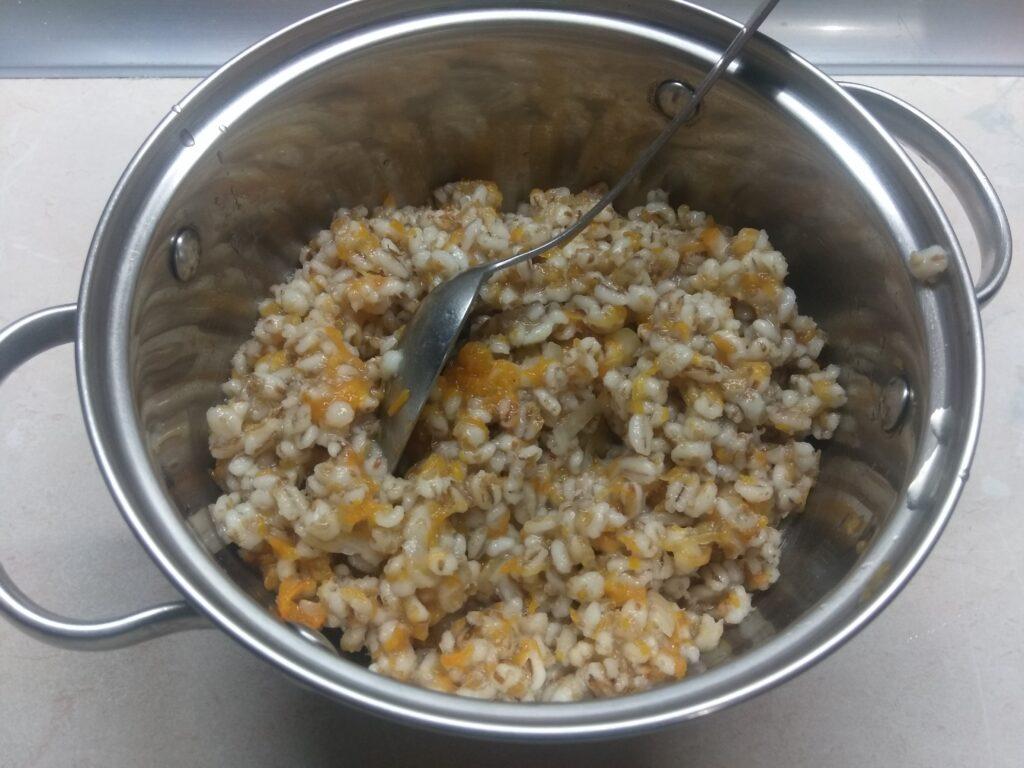 Фото рецепта - Перец, фаршированный перловкой и куриным фаршем - шаг 2