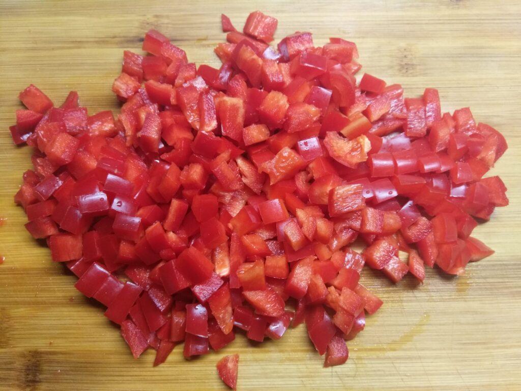 Фото рецепта - Киш с салями, кабачками и болгарским перцем - шаг 2