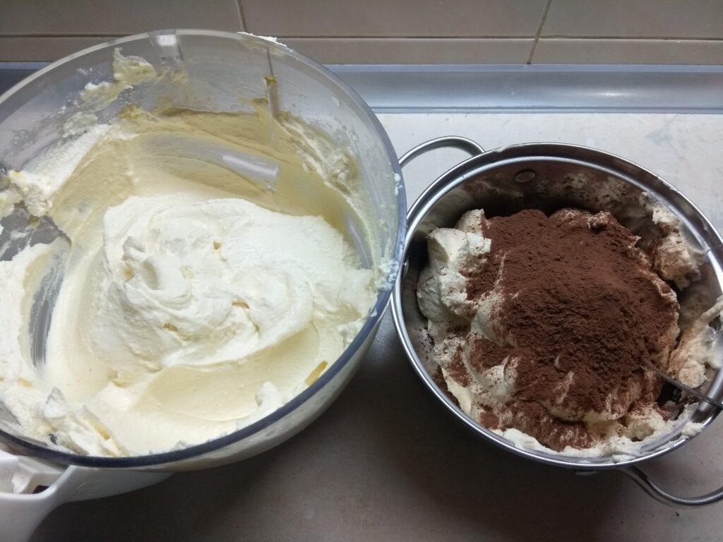 Фото рецепта - Мраморная творожная запеканка - шаг 4