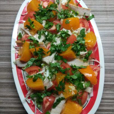 Салат с запеченной свининой и хурмой - рецепт с фото