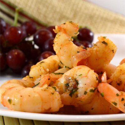 Жареные креветки с чесноком - рецепт с фото