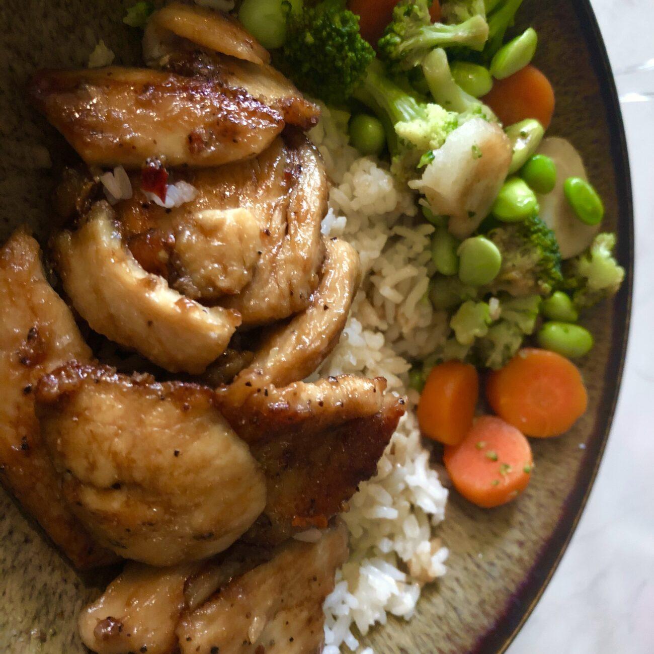 Обжаренная курица с кунжутом (острая)
