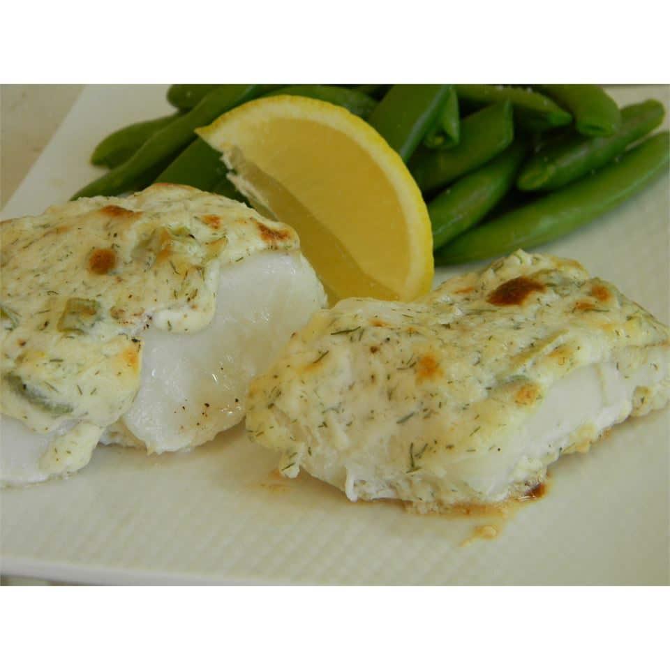 Запеченная белая рыба в соусе