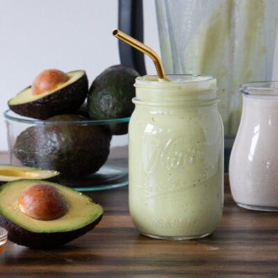 Смузи из авокадо - рецепт с фото