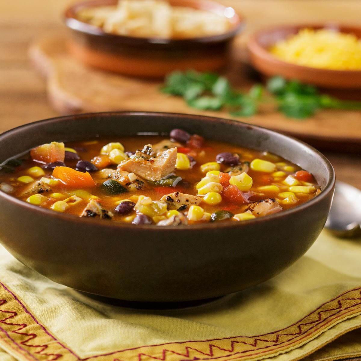 Куриный суп из замороженной фасоли и кукурузы