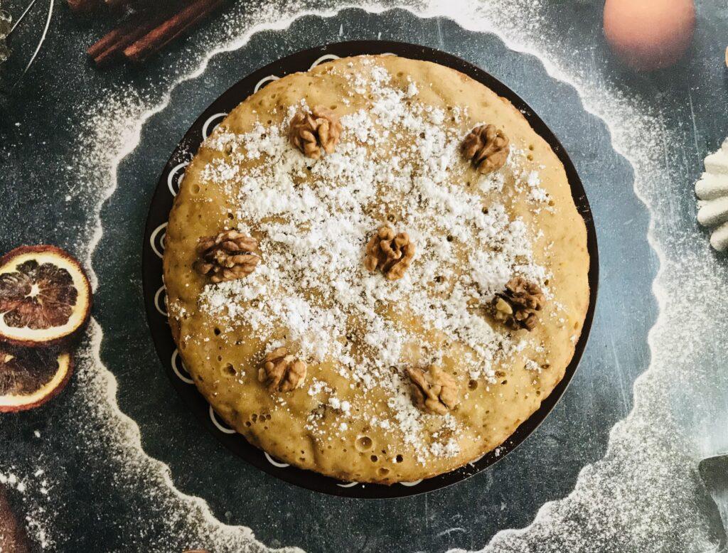 Фото рецепта - Мандариновый кекс с орехами в мультиварке - шаг 7