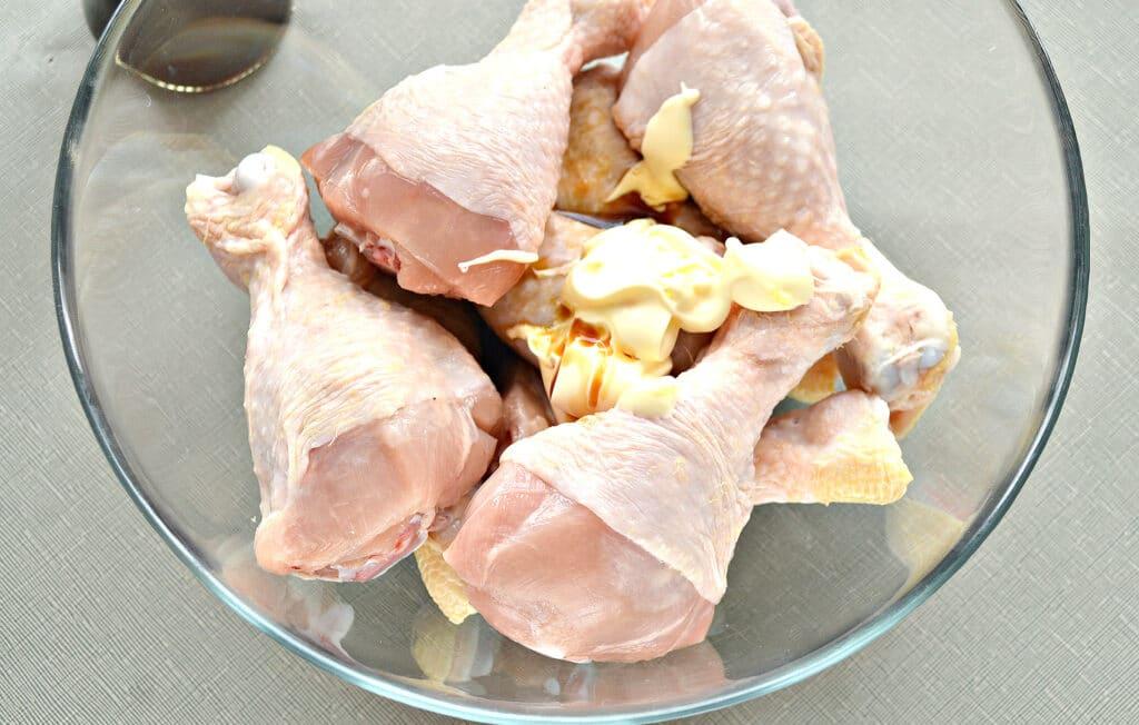 Фото рецепта - Куриные голени, запеченные в майонезе в мультиварке - шаг 2