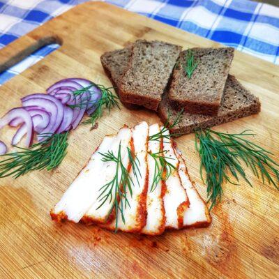 Сало с паприкой, засоленное сухим способом - рецепт с фото