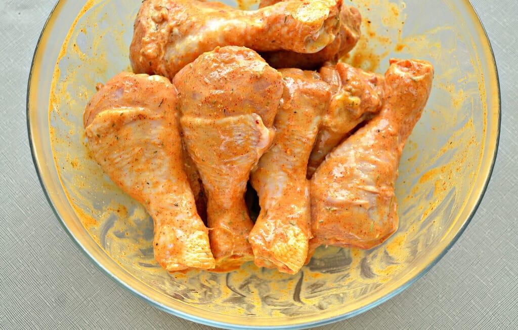Фото рецепта - Куриные голени, запеченные в майонезе в мультиварке - шаг 4