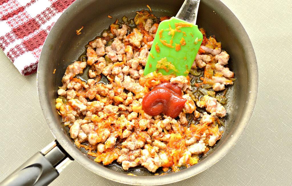 Фото рецепта - Макароны по-флотски с фаршем на сковороде - шаг 4